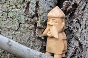 木彫りの妖精2