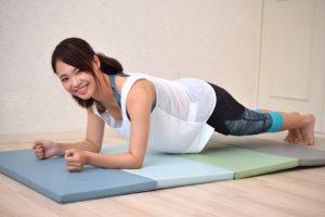 笑顔で体幹トレーニング