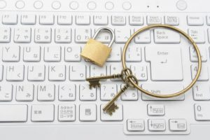 パソコンと鍵2