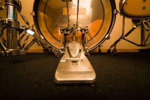 バスドラムとペダル