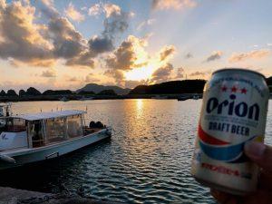 阿嘉港で夕焼けビール
